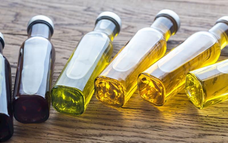 flaschen-mit-oelen