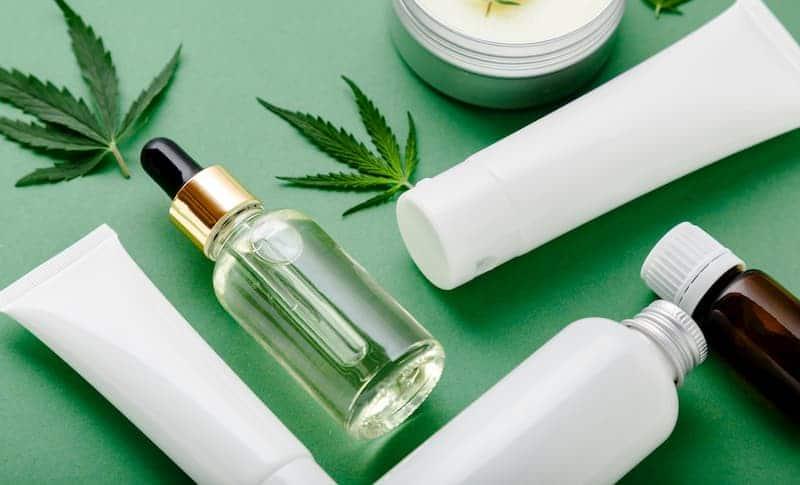 CBD-Kosmetikprodukte gibt es in verschiedenen Ausführungen